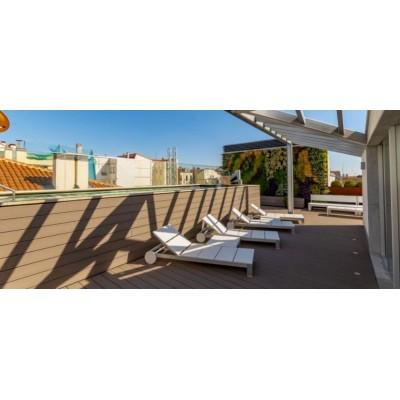 Atico dúplex con terraza privada y piscina a un paso de la Puerta de Alcalá